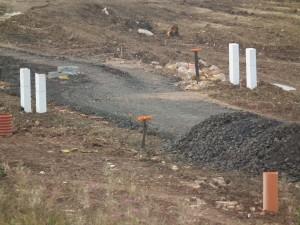 Příprava území pro instalaci sítí a výstavbu komunikace